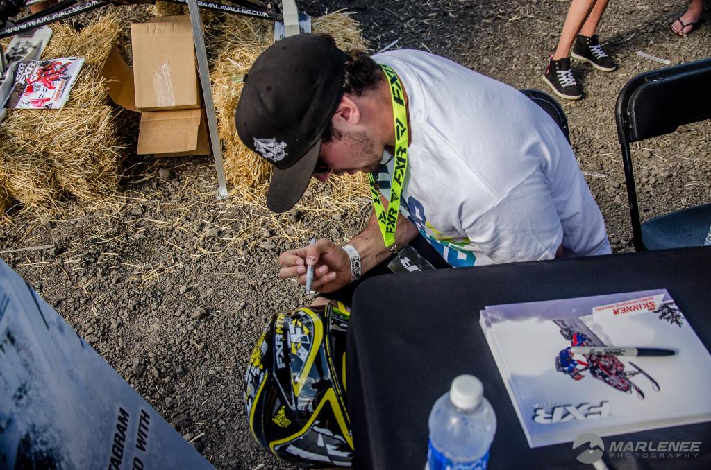 Sahen Skinner signs FXR Helmet
