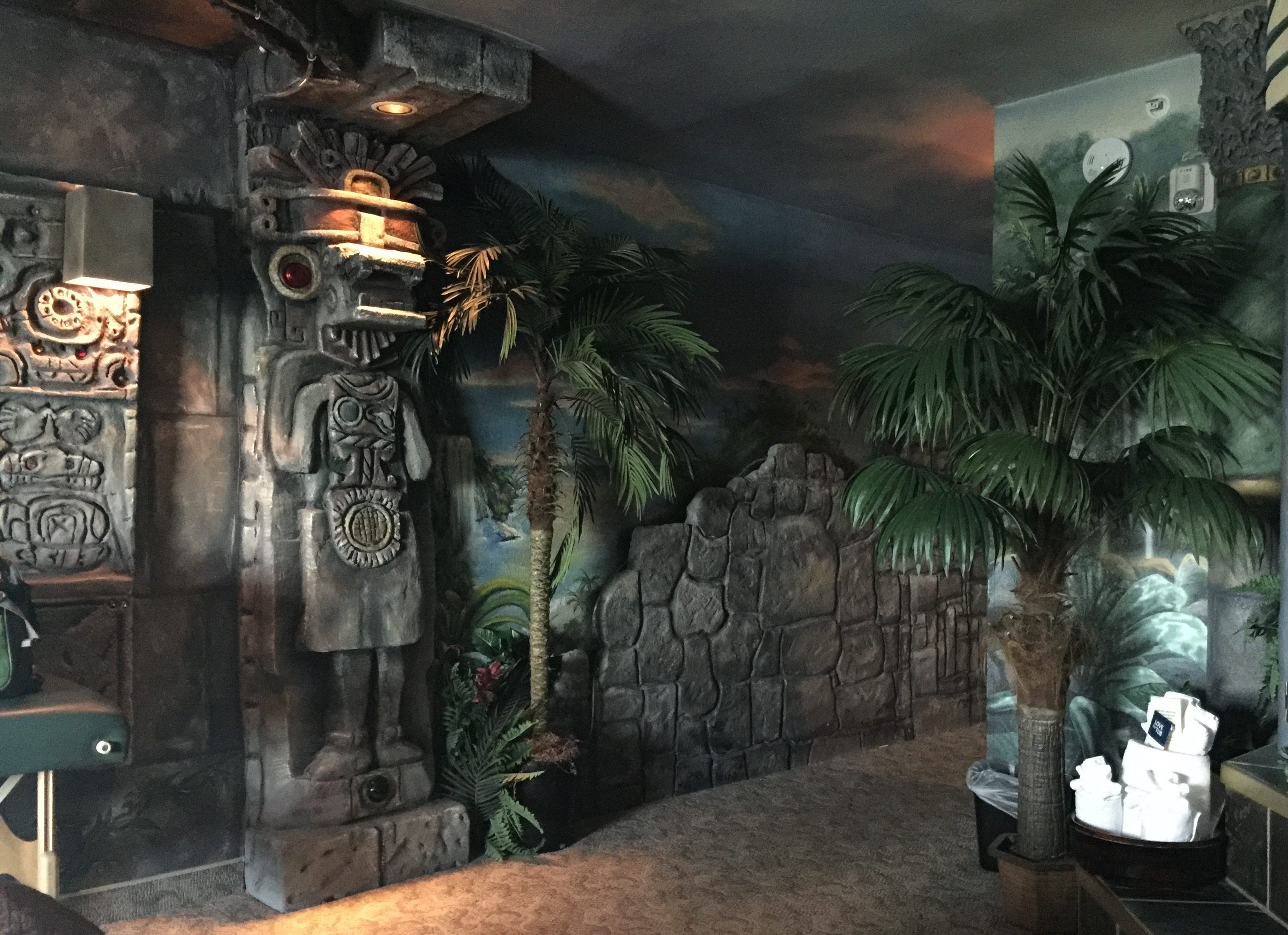 The Mayan-palace theme suite in Rexburg